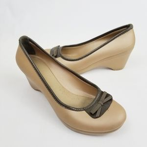 CROCS Lydia Tan Wedge with Bow